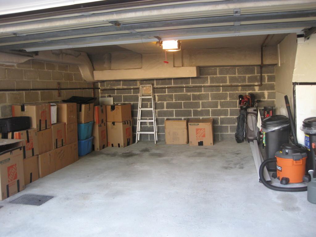 2 Family Semi Attached Brick W 2 Car Garage Mppower